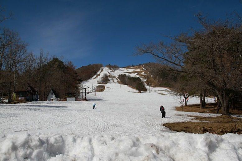 泉ヶ岳スキー場 ゲレンデ 親子